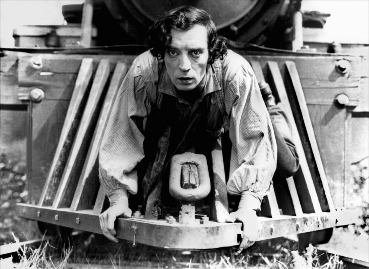 7 Art Cinema | The General - 1926 - Clyde Bruckman, Buster Keaton | Starring = Buster Keaton : Johnnie Gray, Marion Mack : Annabelle Lee, Glen Cavender : capitain Anderson, Jim Farley : general Thatcher, Frederick Vroom : general, Charles Smith : Annabelle Father, Frank Barnes : Annabelle Brother, Frank Agney, Joe Keaton, Mike Donlin, Tom Nawm | USA, Director : Buster Keaton, Clyde Bruckman, Written by : Al Boasberg, Charles Smith, B. Keaton, C. Bruckman, William Pittenger, Dev Jennings, Bert Haines, Fred Gabourie, J. Sherman Kell, Harry Barnes, Joseph M. Schenck, United Artists | Photograph